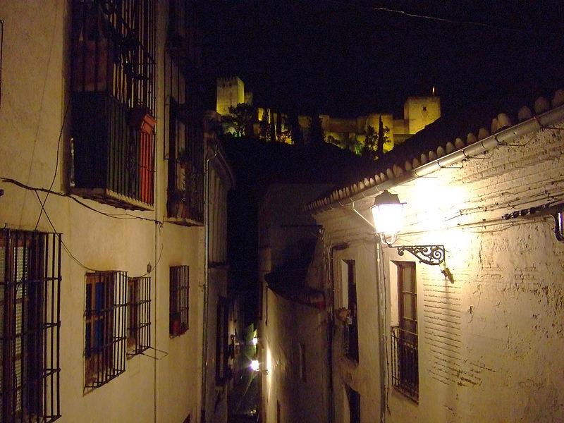 800px-Granada_-_Alhambra_desde_el_Albaycin