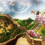 La gran muralla de China bajo un esbelto y claro cielo lunar