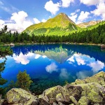 Deep blue sky reflect and shines in the lake