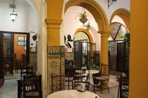 Córdoba – Patio restaurante típico