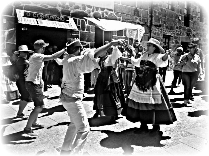 wpid-raigame-en-vilanova-dos-infantes-2014-celanova-baile-tipico.jpg.jpeg