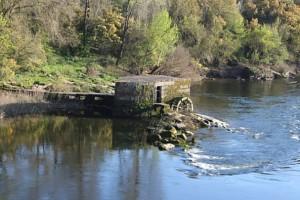 Molino antiguo rio Miño Ourense