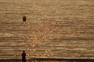 Playa América tarde ocaso sol dorado
