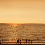 Atardecer ocaso sol mar dorado playa América