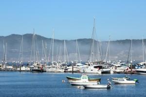 Barcos lanchas yates Bayona puerto muelle