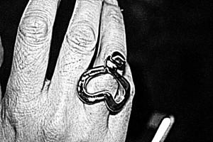 Anillo dedos corazón