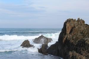 Acantilado, mar y olas en Asturias Tapia de Casariego