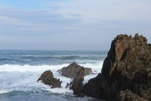 Asturias acantilado agua mar olas Tapia de Casariego