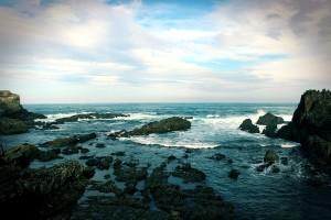 Mar Cantábrico en Tapia de Casariego Asturias precioso cielo con nubes