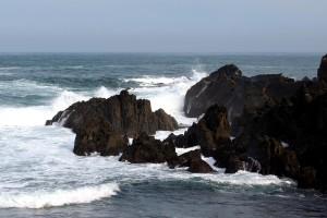 Mar Cantábrico acantilado en Tapia de Casariego Asturias olas bravas