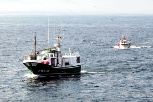 Barcos de pesca volviendo a puerto Tapia de Casariego Asturias Paraíso Natural