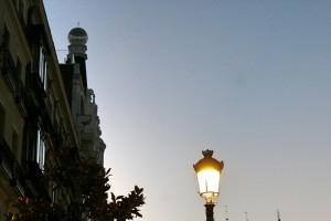 Amanecer en la plaza del Angel Madrid