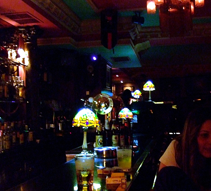 Club nocturno escoltas golondrina