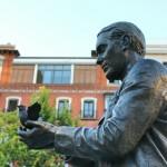 Estatua de Garcia Lorca en Madrid Plaza Santa Ana
