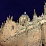 Fachada de la catedral de Salamanca desde la plaza de Anaya