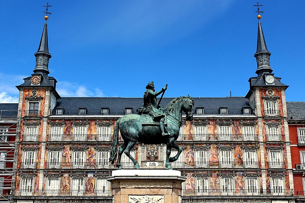 Felipe III estatua en la plaza Mayor de Madrid