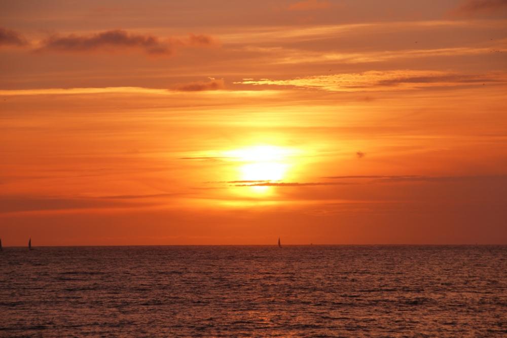 Atardecer en Playa América  Nigrán
