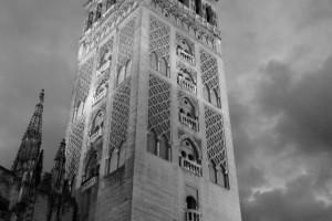 Torre de la Giralda Catedral Sevilla en blanco y negro b&w
