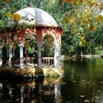 Estanque de parque de María Luisa espectacular templete sobre el agua