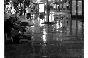 La LLuvia en Granada en blanco y negro B&W