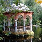 Parque de Maria Luisa templete estanque relax total
