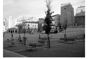 Plaza Mayor de Cáceres en blanco y negro – B&W