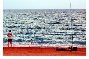 Tarde de pesca en la playa Peñíscola Foto Manuel Ramallo