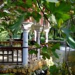 Templete y meditación en el estanque parque María Luisa Sevilla