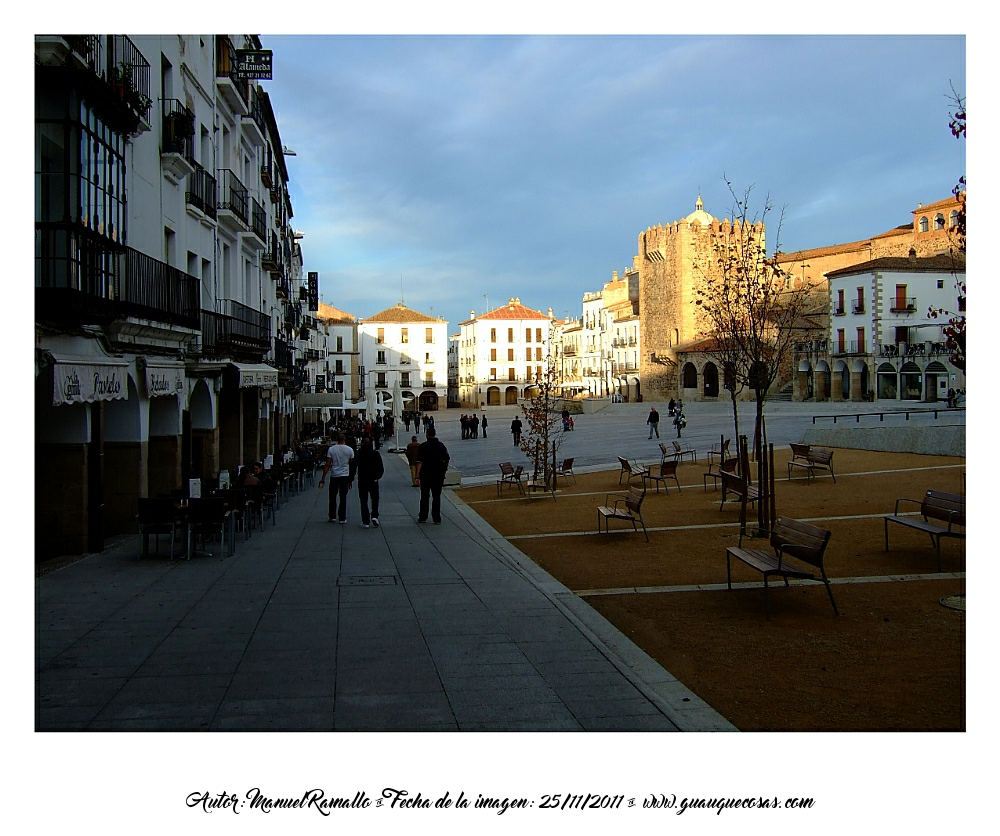 Vista parcial de la Plaza Mayor de Cáceres