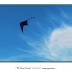 Cometa cielo azul nube blanca – Imagen: Manuel Ramallo