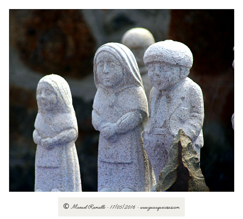 Esculturas en piedra granito en Vilanova dos Infantes Celanova Galicia - Imagen: Manuel Ramallo