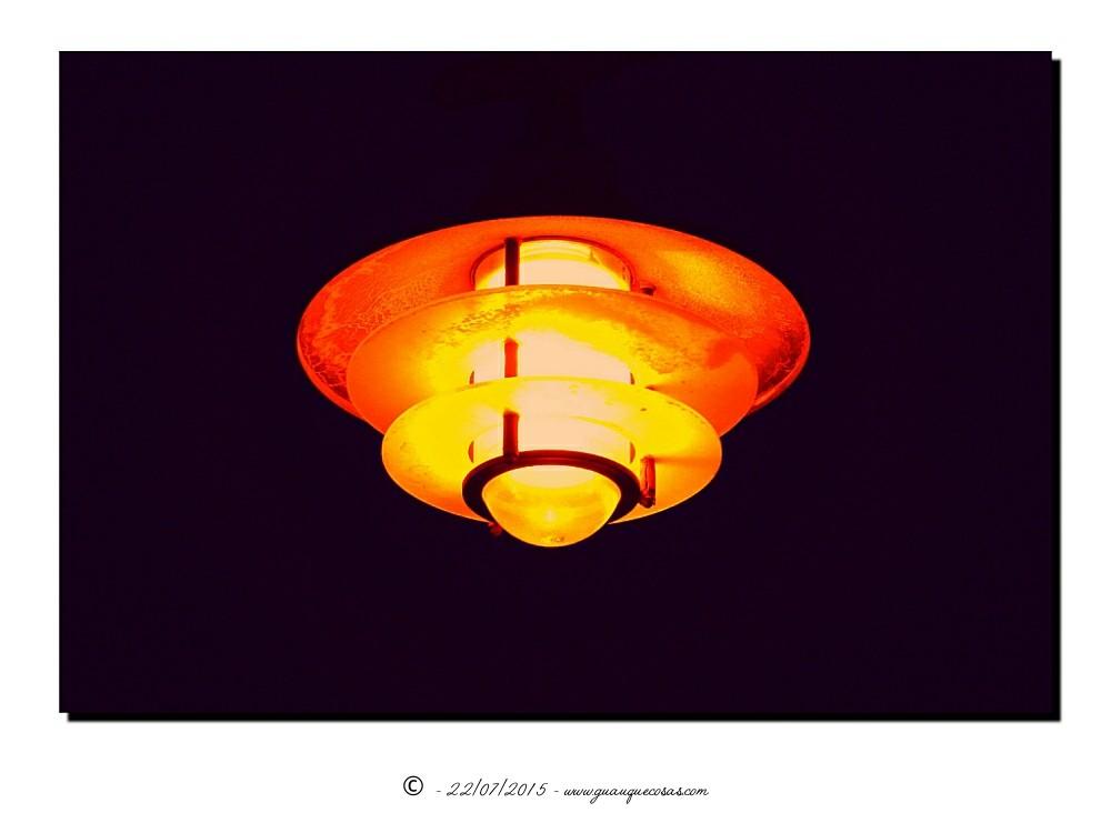 Farola en la noche - Imagen: Manuel Ramallo