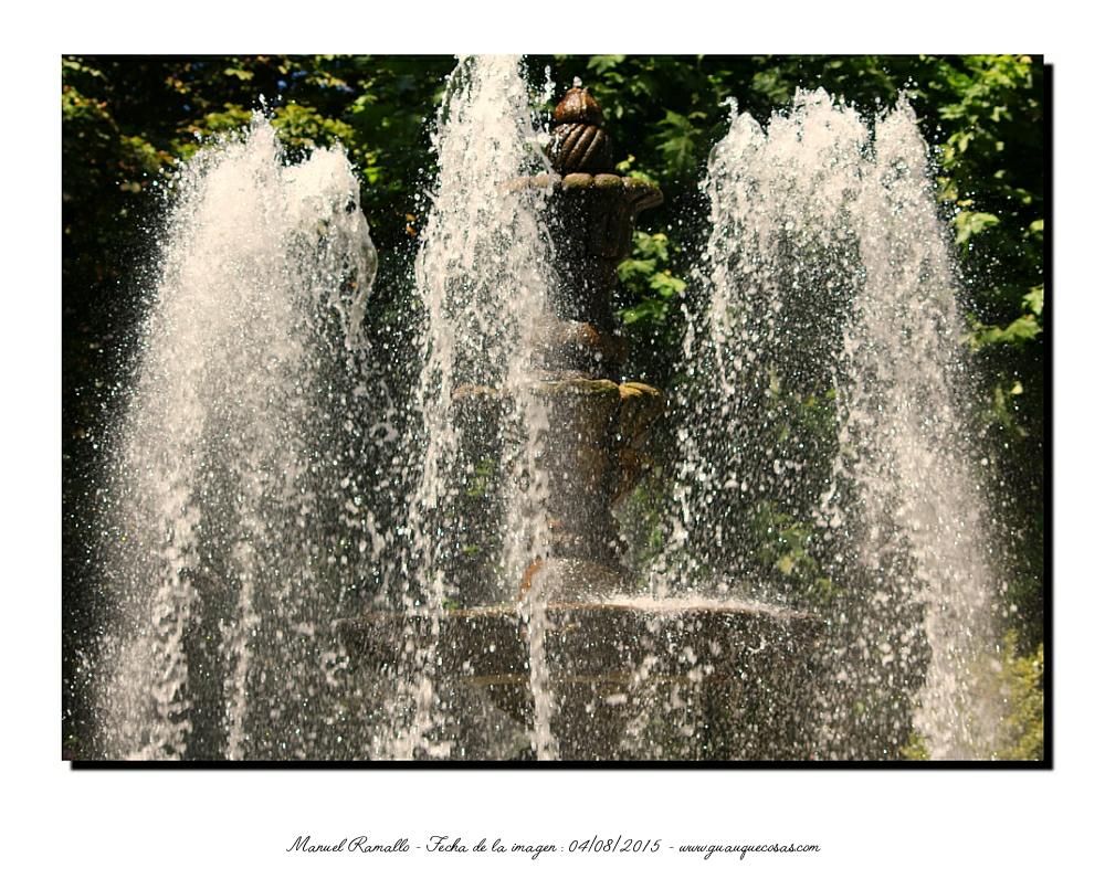 Fuente del parque de San Lázaro con los chorros de agua Orense - Imagen: Manuel Ramallo