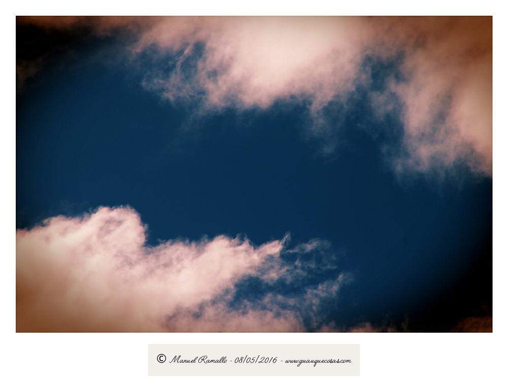 Nubes en el cielo azulado - Imagen: Manuel Ramallo