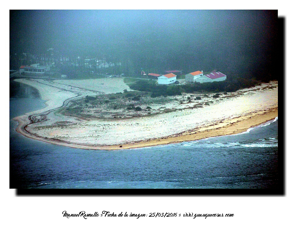 Playa de arena en Portugal en la desembocadura del Río Miño visto desde el Monte de Santa Tecla A Guarda - Imagen: Manuel Ramallo