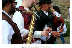 Saxofón y gaitas gallegas en romería Raigame Vilanova dos Infantes Celanova – Imagen: Manuel Ramallo
