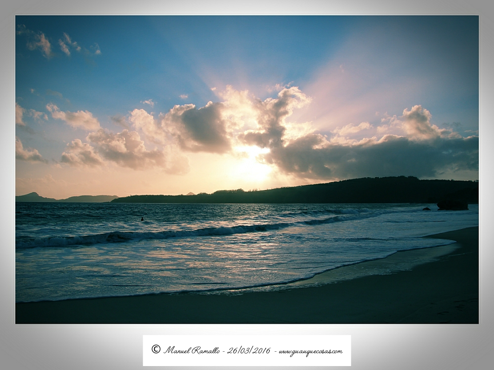 Atardecer en playa de Nerga - Cangas do Morrazo - Pontevedra - Imagen: Manuel Ramallo