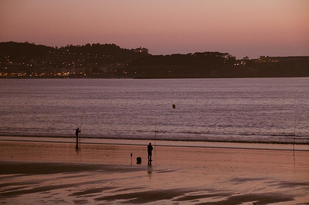 Pescando en la playa América Panxón Autor Manuel Ramallo