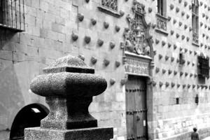 Calle de la Compañía Salamanca autor Manuel Ramallo b-n b-wo