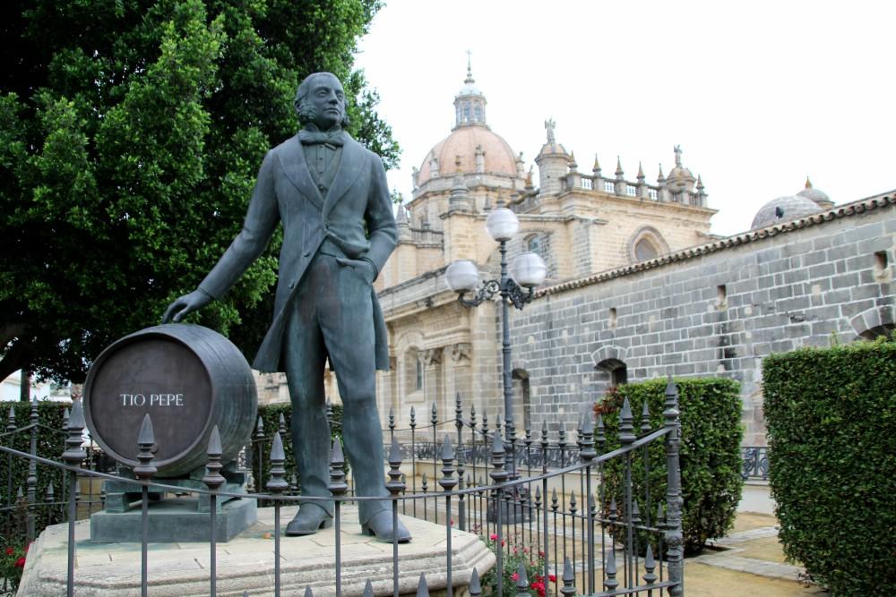 Escultura Tío Pepe Domecq Jerez Cádiz autor Manuel Ramallo