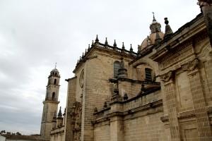 Fachada cúpula campanario gárgolas catedral Jerez de la Frontera Cádiz arquitectura autor Manuel Ramallo