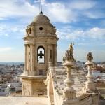 Desde la torre del campanario de la catedral de Cádiz podemos ver éste paisaje de la ciudad