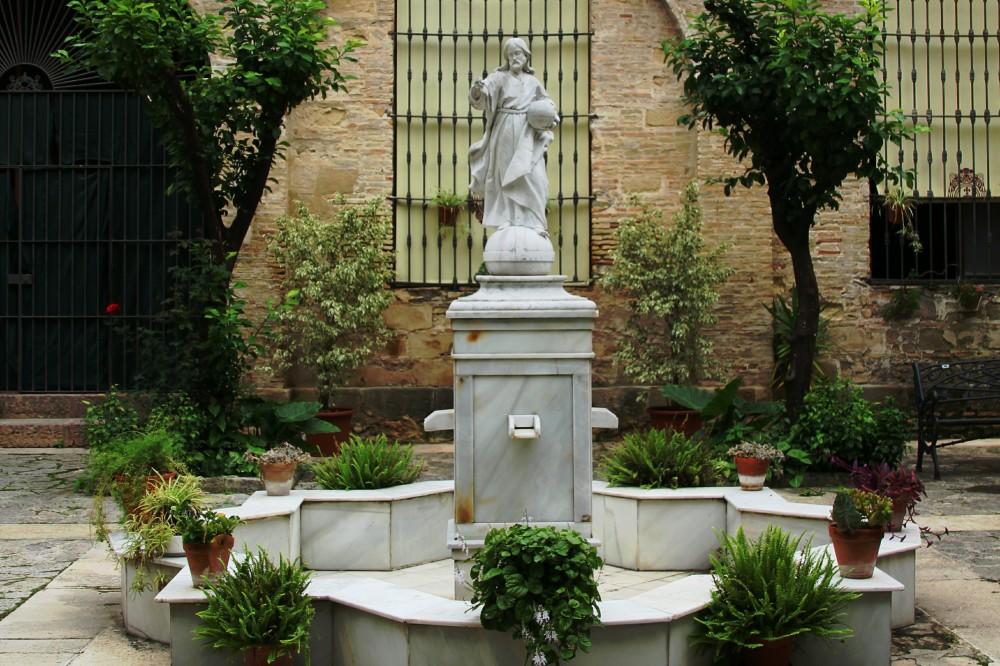 Escultura Jesucristo patio interior catedral Jerez de la Frontera Cádiz autor Manuel Ramallo