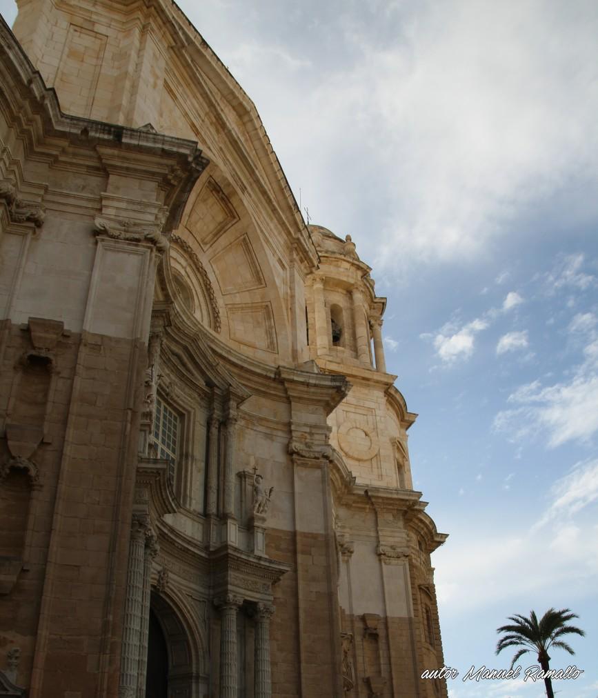 Fachada de la catedral de Cádiz Andalucía España