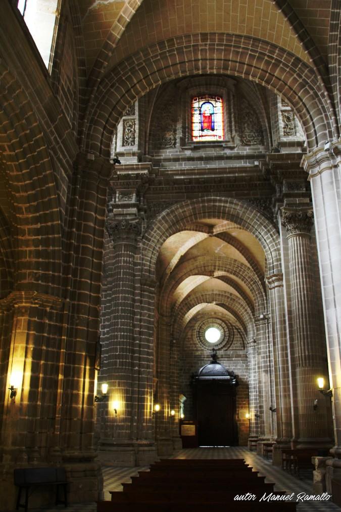 Nave de la catedral de Jerez de la Frontera en Cádiz autor Manuel Ramallo