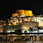 Castillo fortaleza de Peñíscola en Castellón de noche