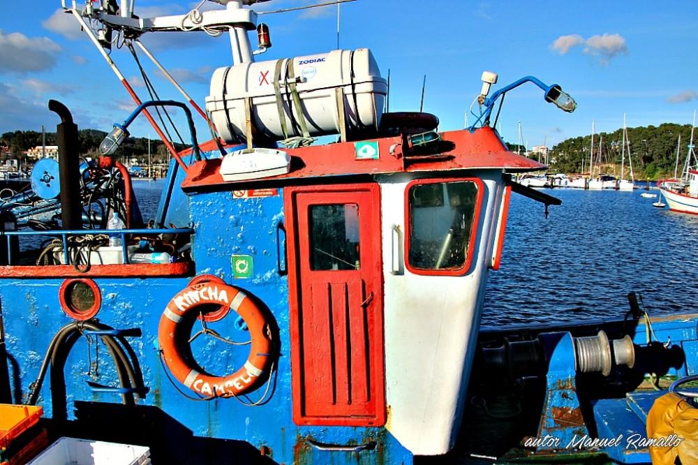 Viejo Barco de pesca en el puerto de Portonovo Sanxenxo Pontevedra