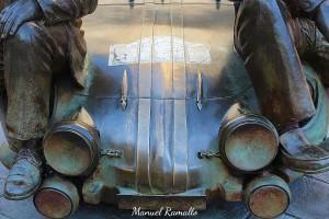 Capó del Renault Alpinche mezcla de Alpine y Porsche de Reverter y Colemán parque San Lázaro Ourense Rallye escultura
