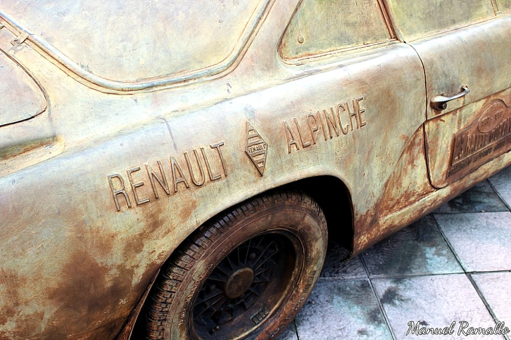 Renault Alpinche Reverter Colemán Rally Ourense Escultura homenaje Parque San Lázaro Ourense