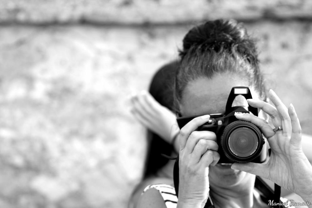 La fotógrafa fotografiada en blanco y negro black & white